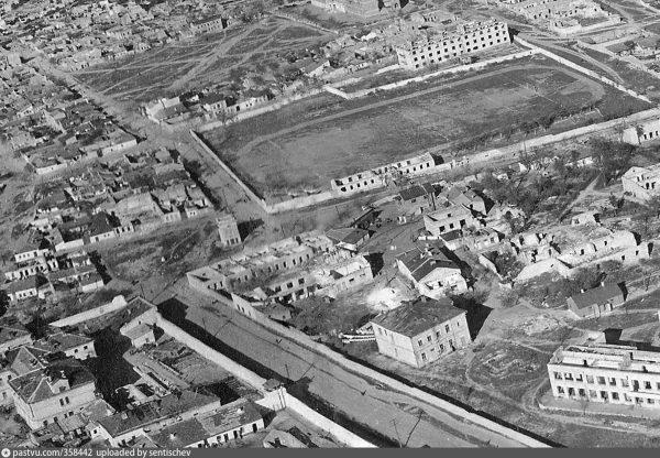 Стадион Севморзавода после войны.