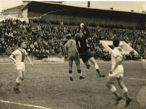 Стадион Чайка 1964 г. Момент игры
