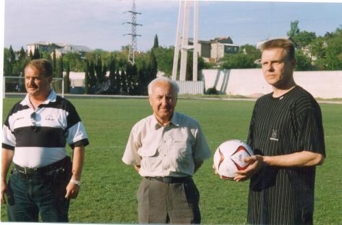 Репенков Е., администратор Осипов В., Красильников А. 2002 г.