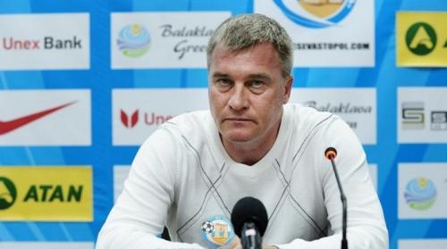 Старший тренер Олег Лещинский