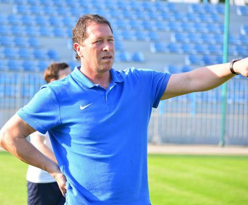 Старший тренер Грачев Алексей