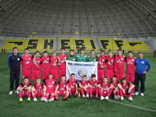 Кива И.Е. Команда 1997 г.р. на стадионе ФК Шериф Тирасполь.