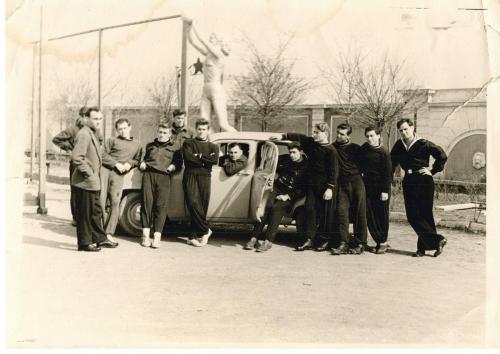 Флотская команда на стадионе