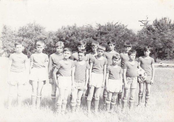 Команда СШ№12 1973 года рождения в 1984 году.