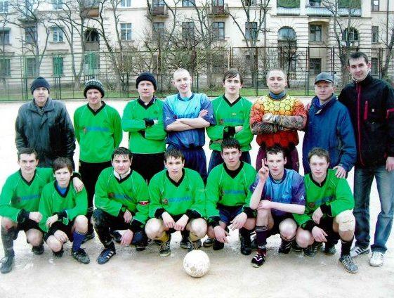 Команда Стрела 2005 г. Крайний слева в верхнем ряду тренер Ю.Ф.Бродецкий